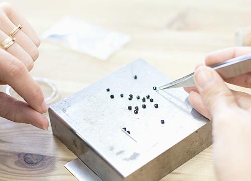 10 astuces pour des mains stables - a retrouver sur www.apprendre-la-bijouterie.com