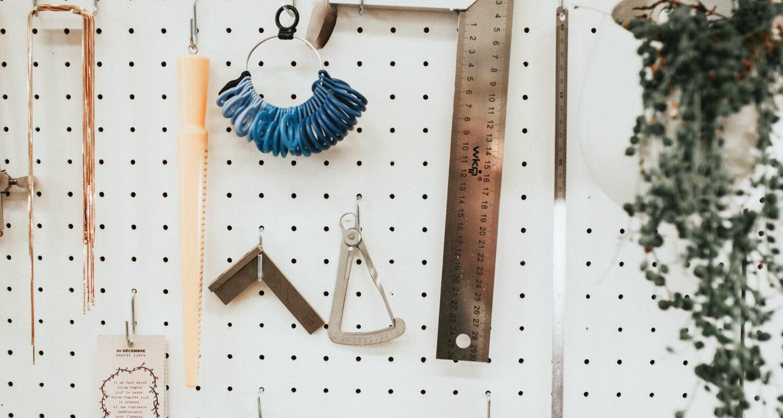 Atelier tour : mon établi de bijouterie minimaliste