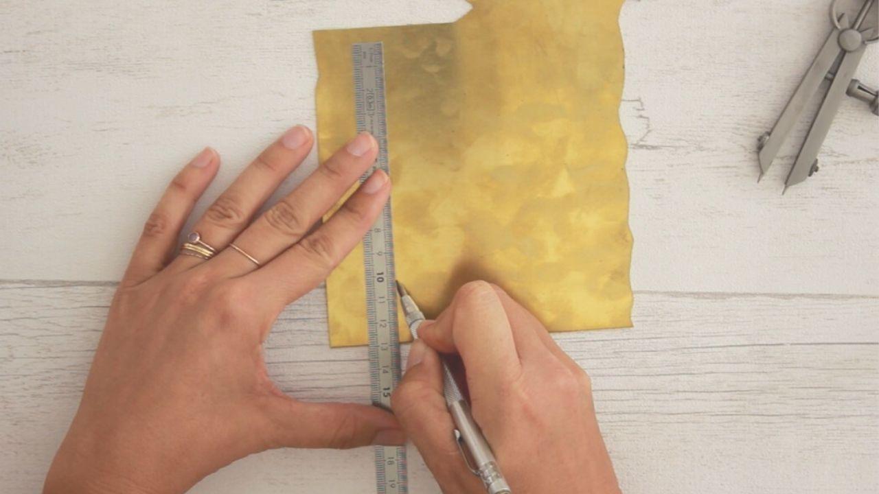 Comment transférer un dessin sur le métal