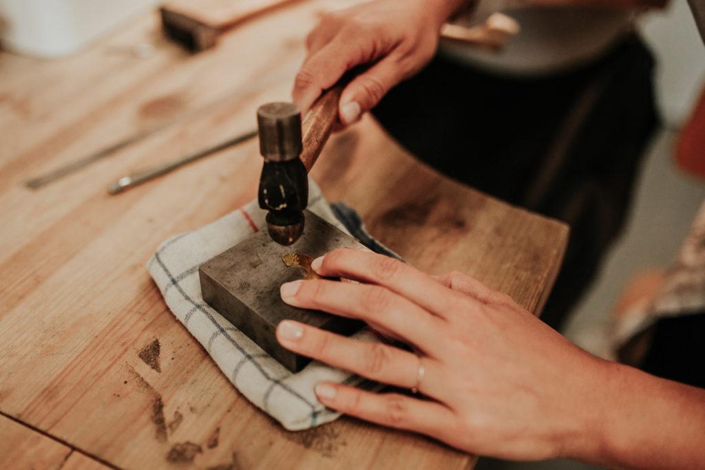 texturer le métal