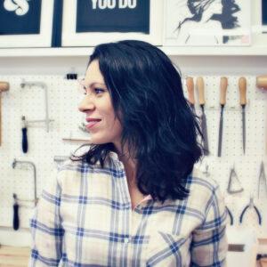 Mélanie, créatrice autodidacte de la marque de bijoux OH LA LA !